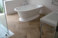 Oggie Herringbone Oak Bath7
